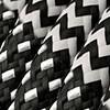 Negro blanco y cable zig zag